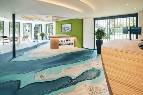 Die neue Tourist-Information Gaienhofen wurde im Juli 2021 eröffnet - Firm von Marcus Witte